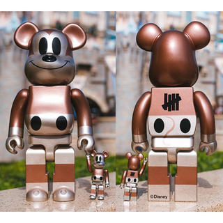 NYC限定 Mickey Mouse 90周年×Undefeated ベア