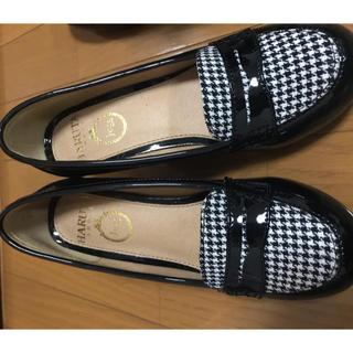 ハルタ(HARUTA)のHARUTA 千鳥柄 ローファー 黒 パンプス(ローファー/革靴)