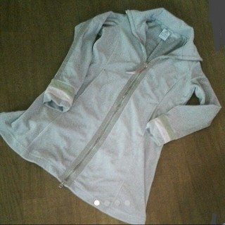 アディダス(adidas)のアディダス 気持ち厚目の生地の上着 160(ジャケット/上着)