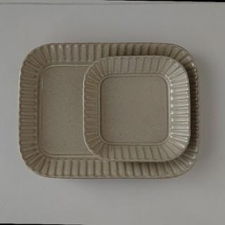 ハサミ(HASAMI)のプレート 2枚組 波佐見焼き 和山 おしゃれ かわいい 大人気(食器)