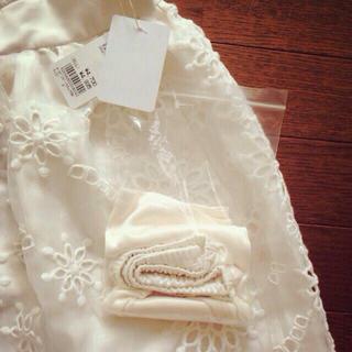 ローリーズファーム(LOWRYS FARM)の新品!刺繍オーガンジースカート⑅◡̈*(ミニスカート)