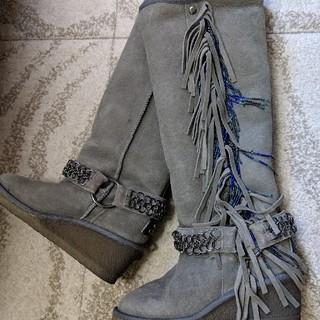 クーラブラ(Koolaburra)のクーラブラ ウェッジ シープスキンブーツ(ブーツ)