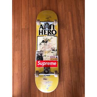 アンチヒーロー(ANTIHERO)のスケボー(スケートボード)