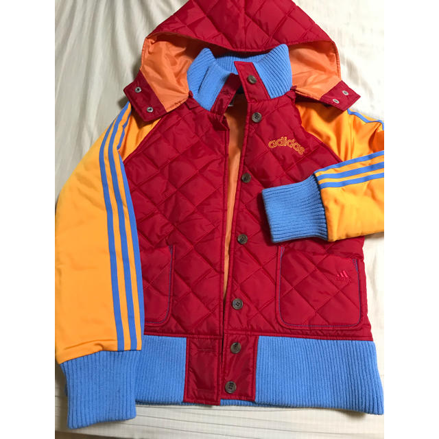adidas(アディダス)の年始値下げ  未使用 アディダス キルティング 中綿ジャケット レディースのジャケット/アウター(ダウンジャケット)の商品写真