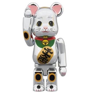 ベアブリック BE@RBRICK 招き猫 銀メッキ 参 100%