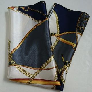 ジーユー(GU)のGU  スカーフ  美品!(バンダナ/スカーフ)