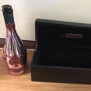 アルマンドバジ(Armand Basi)のアルマンドピンクボトルの空き瓶(シャンパン/スパークリングワイン)