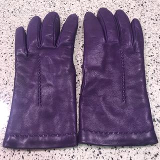バーニーズニューヨーク(BARNEYS NEW YORK)の★りかぴ様専用★イタリア製 暖かいカシミアライニング 柔らかいラム革 グローブ(手袋)