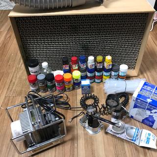 Mr.リニア コンプレッサーL5/エアブラシセット + 塗装ブース +おまけ大量(模型製作用品)
