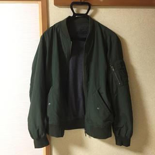 ユニクロ(UNIQLO)のジャケット(ミリタリージャケット)