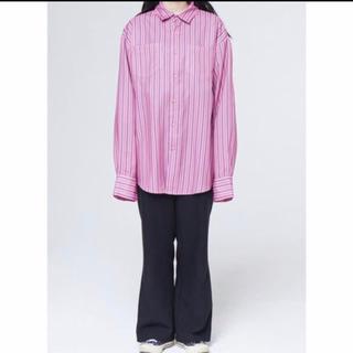 バレンシアガ(Balenciaga)のNEVERCOMMON ストライプシャツ(シャツ)