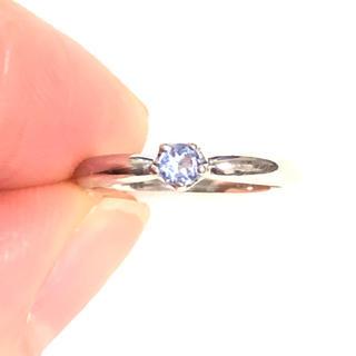 青紫色のストーン付き ピンキーリング ホワイトゴールド(リング(指輪))
