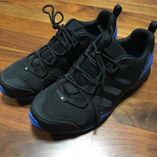 アディダス(adidas)のアディダス 25cm トレッキングシューズ CM7727(登山用品)