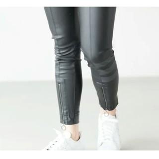 アディダス(adidas)の入手困難!アディダスオリジナルス S(スキニーパンツ)