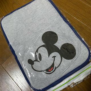 ディズニー(Disney)の【新品】Disney ミッキー母子手帳ケース(母子手帳ケース)