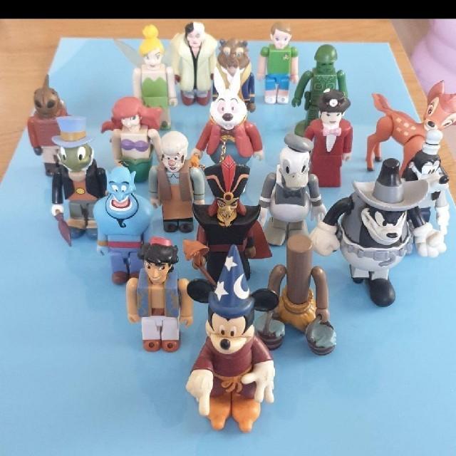 Disney(ディズニー)のキューブリック ディズニー アラジン ミッキー ドナルド諸々 エンタメ/ホビーのおもちゃ/ぬいぐるみ(キャラクターグッズ)の商品写真