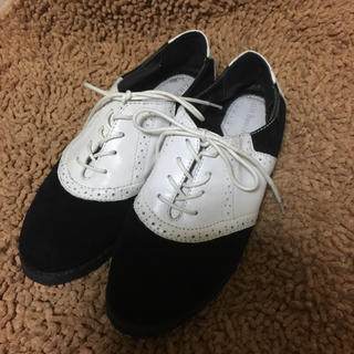 ジーエイチバス(G.H.BASS)のG.H.Bass スウェード×カウレザー コンビ レザーシューズ 黒×白 US6(ローファー/革靴)
