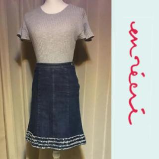 アンレクレ(en recre)のアンレクレ サイズ36 リボンポケット デニムスカート(ひざ丈スカート)