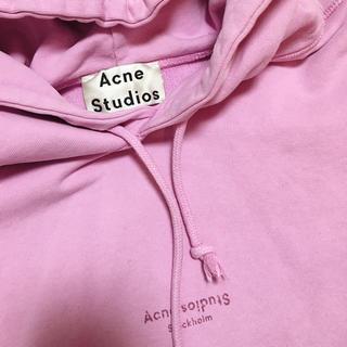 アクネ(ACNE)のacne studiosアクネストゥディオス2018SSロゴスウェットパーカー♡(パーカー)