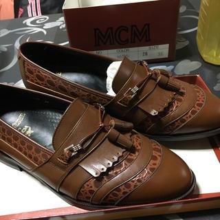 エムシーエム(MCM)のMCM 革靴(ローファー/革靴)