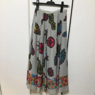 トクコプルミエヴォル(TOKUKO 1er VOL)のトクコ花柄スカート(ロングスカート)