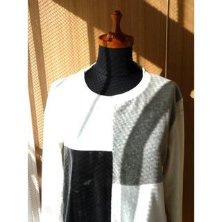グラッサム(GRASUM)のgrasum 白 黒 グレー ニット ベロア セーター グラッサム きれいめ(ニット/セーター)