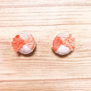 flower - 20.刺繍ピアス.イヤリング○●ハンドメイド