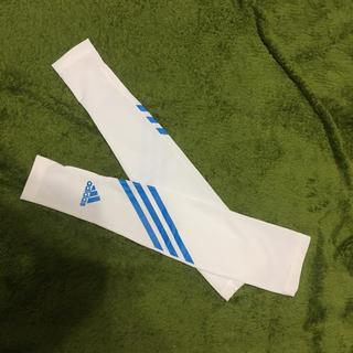 アディダス(adidas)のadidas アームカバー(トレーニング用品)