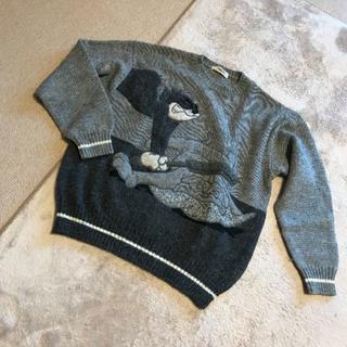 アイスバーグ(ICEBERG)のICEBERG アイスバーグ トム&ジェリーのジェリーとブルドック刺繍セーター(ニット/セーター)