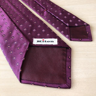 キトン(KITON)のKITON ボルドー×スクエア小紋 ネクタイ美品(ネクタイ)