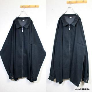 ヨウジヤマモト(Yohji Yamamoto)の【6X Design Big Zip-Jacket】(ノーカラージャケット)
