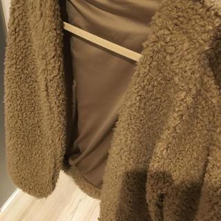 ジーユー(GU)のもこもこアウター美品(毛皮/ファーコート)