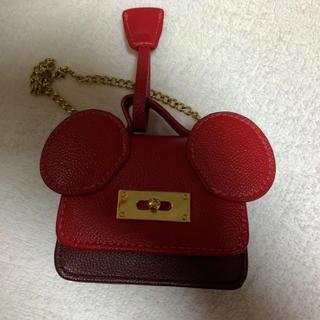 ディズニー(Disney)の新春セール! ディズニーホテルバッグチャーム レッド(バッグチャーム)