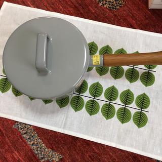 フジホーロー(富士ホーロー)のハニーウエア ソースパン ホーロー鍋  17センチ(鍋/フライパン)