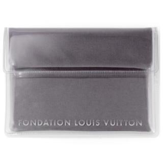 ルイヴィトン(LOUIS VUITTON)のルイヴィトン財団 美術館 限定 タブレットケース グレー 新品(モバイルケース/カバー)