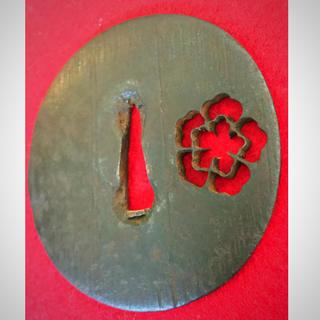 大刀用鉄鐔●梅の花透かし●碁石風●鍛え大変良し●江戸期●刀装具●(武具)