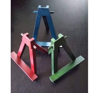 木製ミニカラーイ―ゼル 3個セット 赤、緑、青(イーゼル)