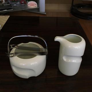 ハクサントウキ(白山陶器)の白山陶器  ピッチャー(水差し)と 氷入れ(食器)