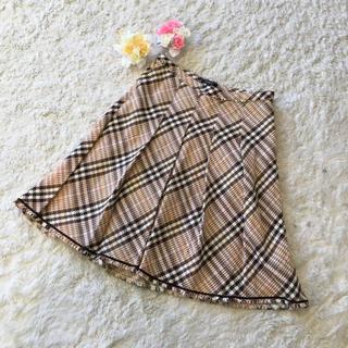 バーバリー(BURBERRY)のエレガントデザインが素敵♪バーバリーツイードフレアスカート(ひざ丈スカート)