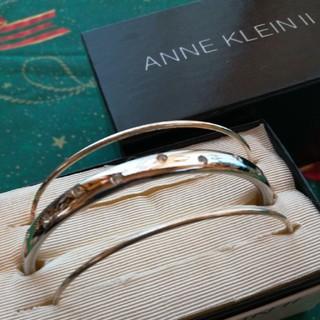 アンクライン(ANNE KLEIN)のアンクラインの3連バングルブレスレット(ブレスレット/バングル)