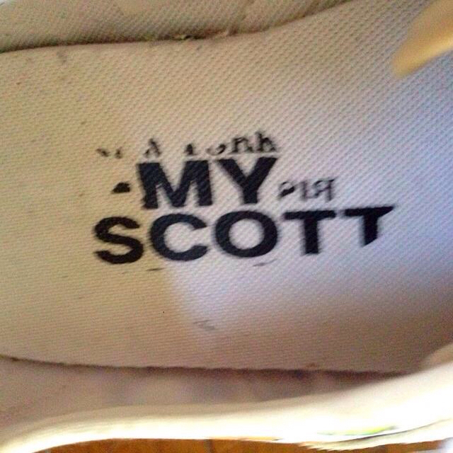 adidas(アディダス)のadidas×JEREMY SCOTT レディースの靴/シューズ(スニーカー)の商品写真