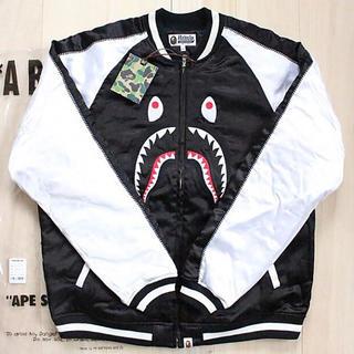 アベイシングエイプ(A BATHING APE)のBAPE SHARK シャーク スカジャン 白×黒 XL(スカジャン)