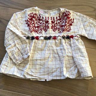 ザラ(ZARA)のzara 刺繍入りシャツ(シャツ/カットソー)