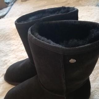 クーラブラ(Koolaburra)のクーラブラ ムートンブーツ新品未使用Msize(ブーツ)