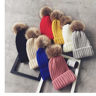 ザラ(ZARA)の新品★フェイクファー ポンポン ニット帽子 15色(ニット帽/ビーニー)