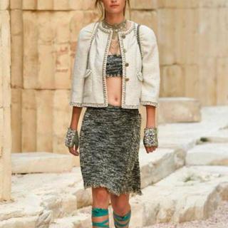シャネル(CHANEL)の2018 シャネル スカート ニット ツイード ベージュ ゴールド(ミニスカート)