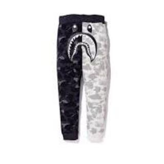 アベイシングエイプ(A BATHING APE)のXL BAPE NBHD SHARK SLIM SWEAT PANTS  (スラックス)