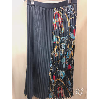 シマムラ(しまむら)の完売商品‼️‼️スカーフ柄切り替えスカート(ロングスカート)