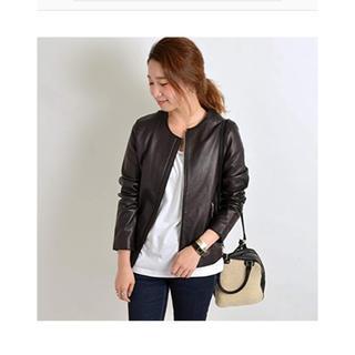 シップス(SHIPS)のシップス 期間限定値下 羊革 ノーカラーレザージャケット 38 極美品 ブラック(ライダースジャケット)