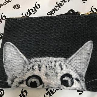 ソサエティシックス(Society6)のソサエティ6  猫ポーチ新品(ポーチ)